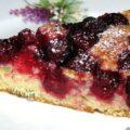Быстрый пирог с ягодами на кефире
