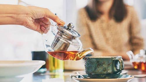 чай и горячая вода фото