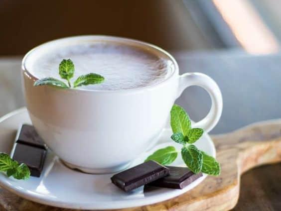 Кофе с мятой и сливками