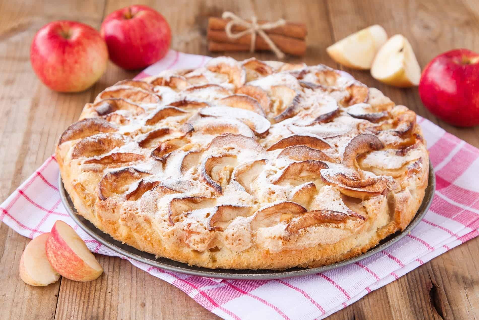 Пирог с яблоками — быстрый рецепт