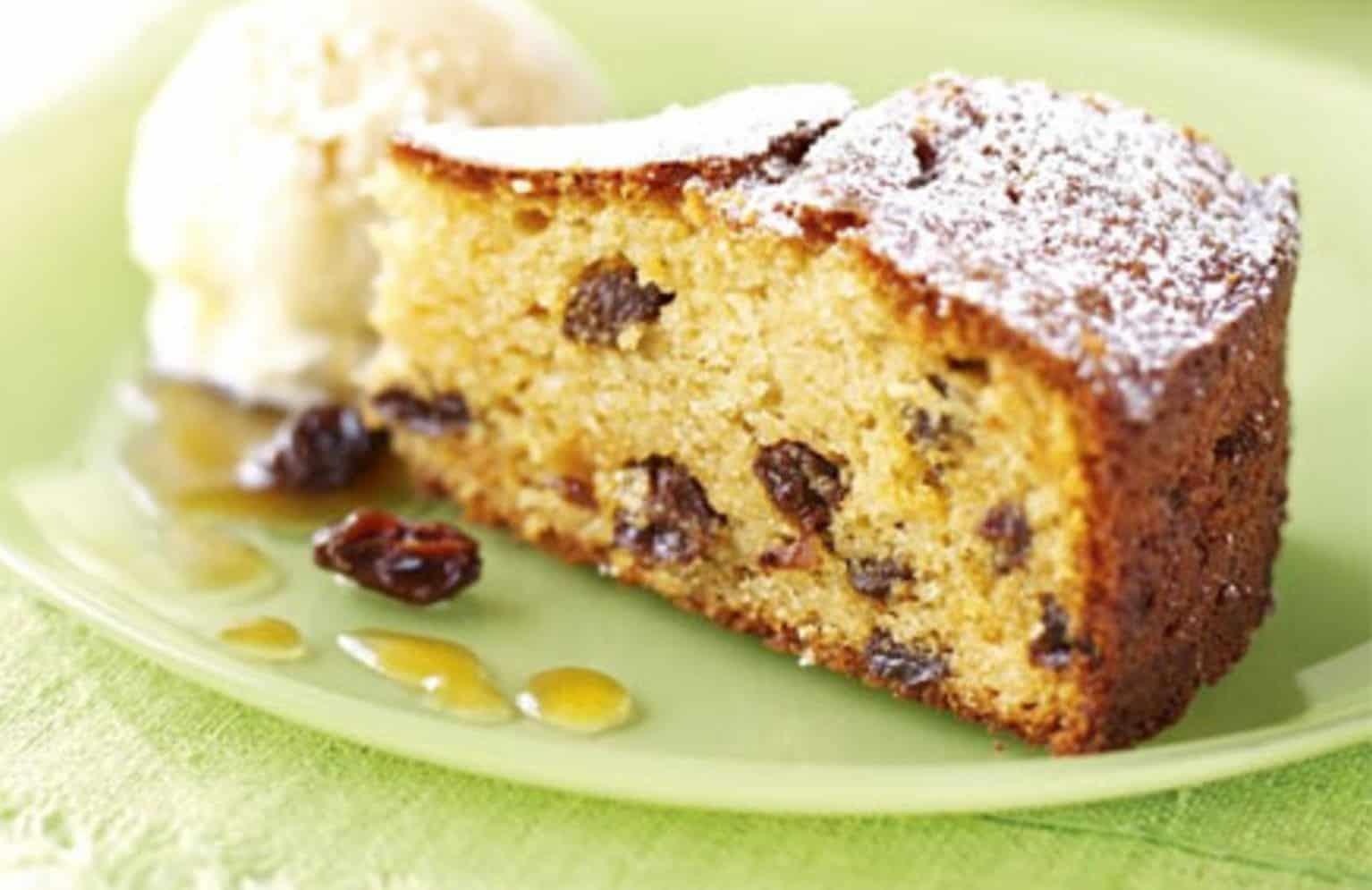 Быстрый и сладкий пирог на кефире