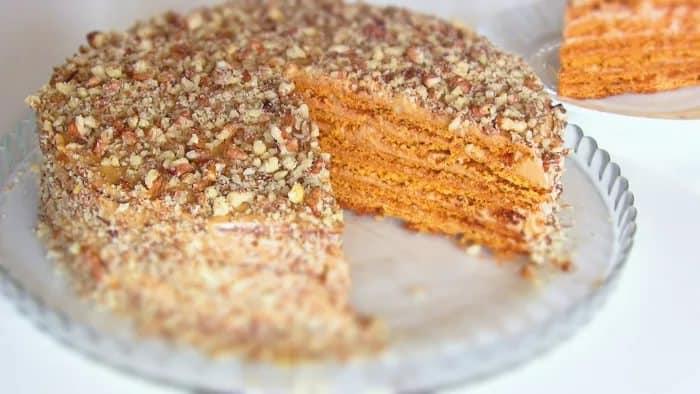 Легкий торт со сгущенкой