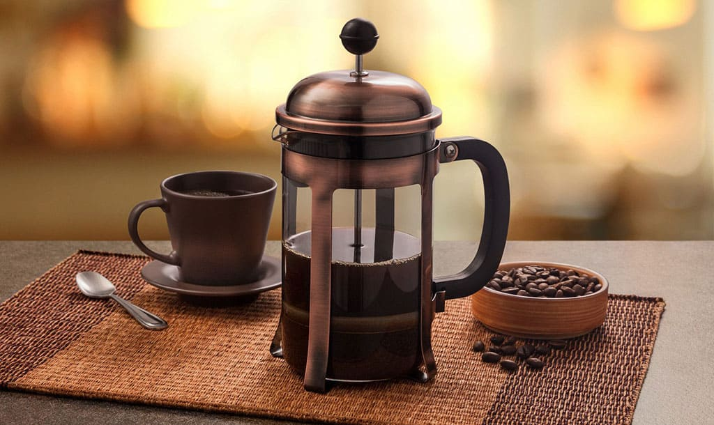 Френч пресс для кофе с кофе фото