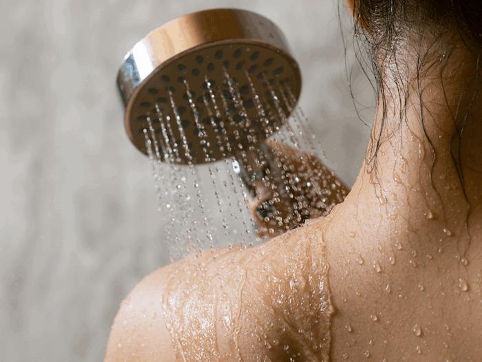 душ перед кофейным скрабом