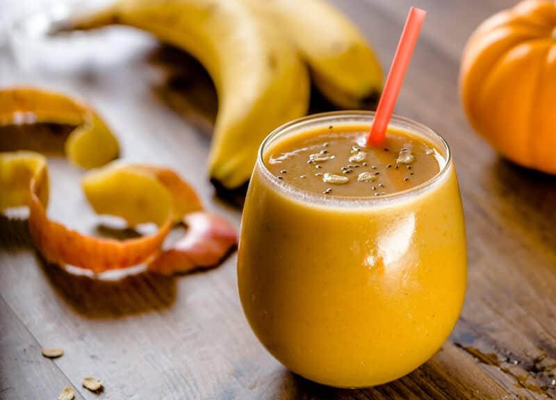 тыквенно яблочный смузи с медом и бананом