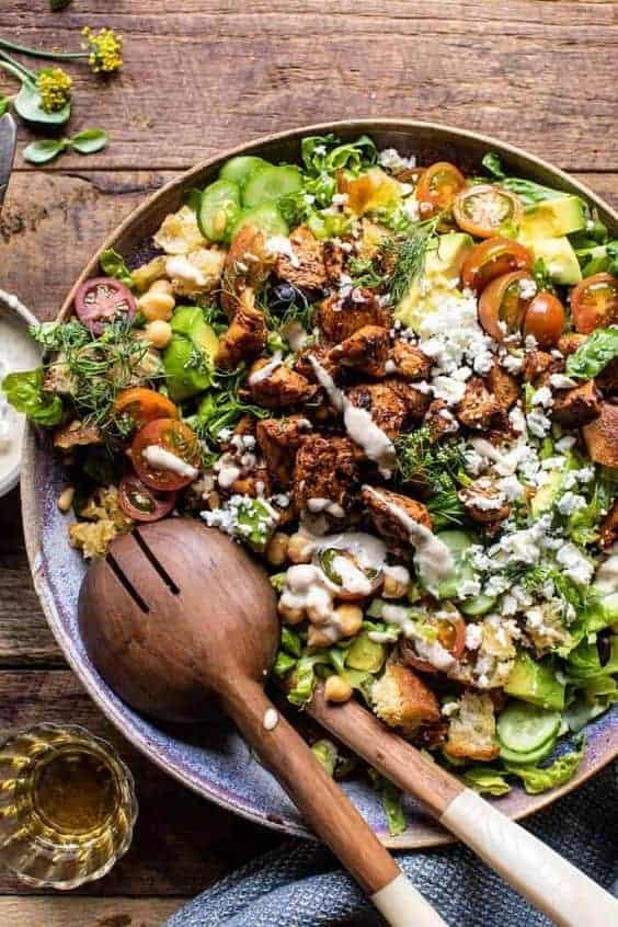 салатник с салатом