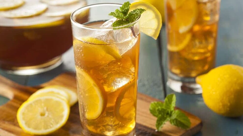 Холодный чай с лимоном и мятой приготовление фото
