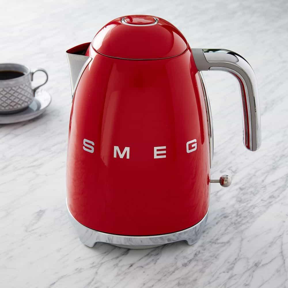 Smeg чайник красный фото